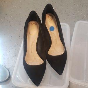 Sexy black pointy toe heels